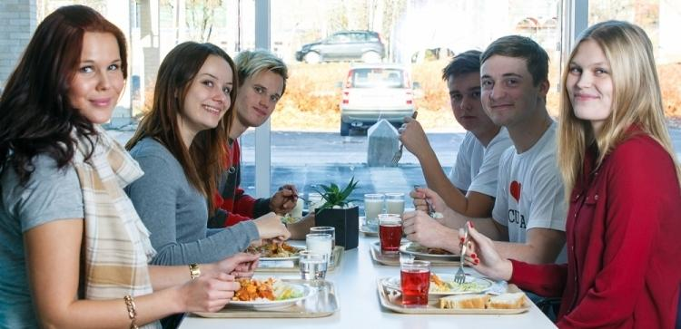 Joka päivä Traderia valmistaa niin opiskelijoille kuin henkilökunnalle maukkaan lounaan.